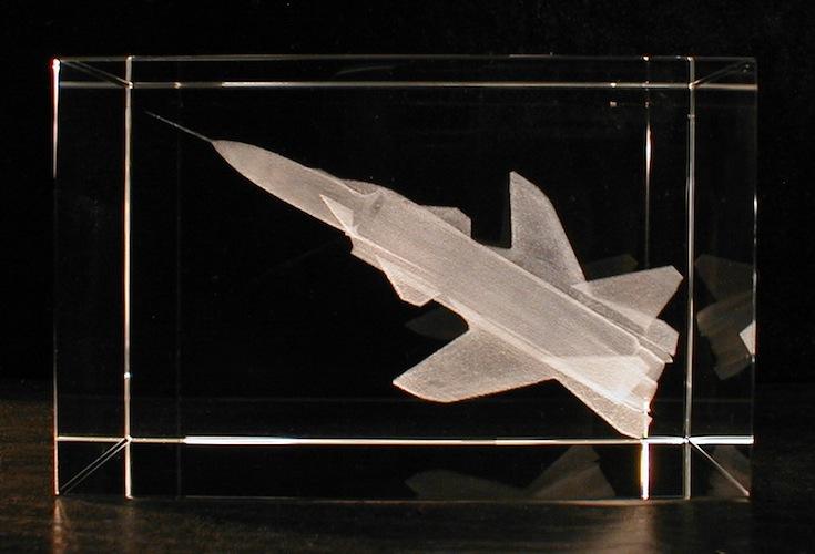 Самолет МИГ в стекле