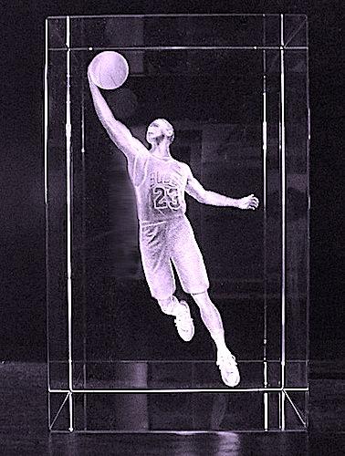 Баскетболист в стекле