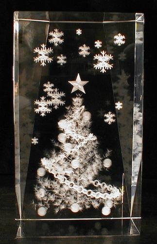 Новогодняя елка в стекле