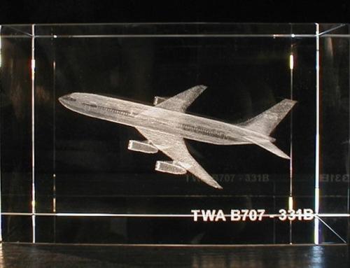 Боинг-707 в стекле
