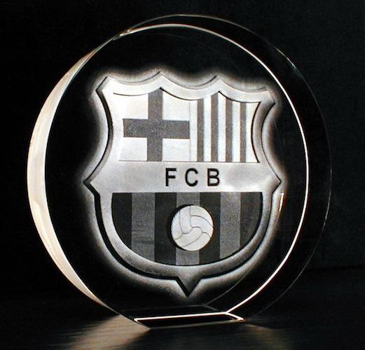 Логотип FCB в стекле