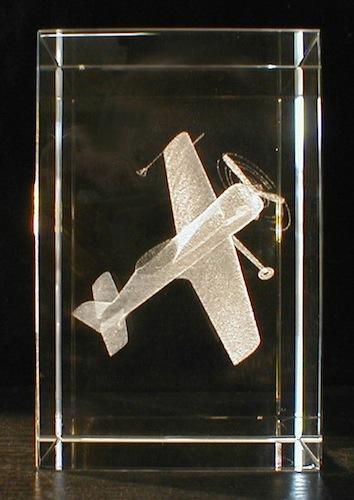 Самолет ИЛ-2 в стекле