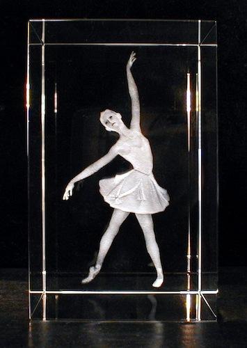Балерина в стекле