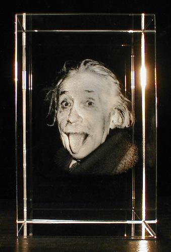 Эйнштейн в стекле
